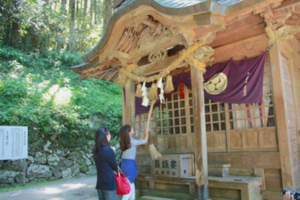 金持神社参拝と根雨宿散策