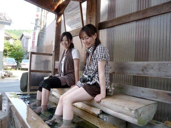 吉岡温泉の足湯